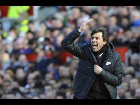Mancini-Conte-Di Biagio in Italy running (3)