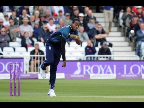 England's Jofra Archer bowls a delivery during the fourth one-day international cricket match between England and Pakistan at Trent Bridge in Nottingham, England, last Friday.