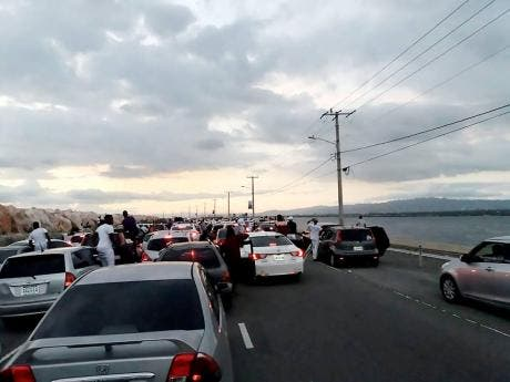 File photo of traffic gridlock along the Palisadoes strip caused by unruly motorists attending Sandz on January 1, 2018.
