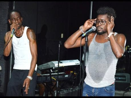 Bounty Killer (left) and Beenie Man gear up for their friendly clash at Reggae Sumfest.