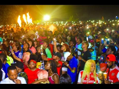 A section of the crowd at Igloo Global Cooler Fête on closing night of Dream Weekend 2019.