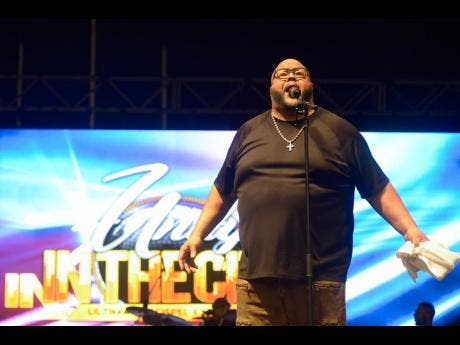 Fred Hammond performs.