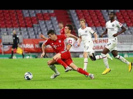 Bayern reaches DFB Pokal final with 2-1 win over Frankfurt